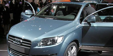 Tire, Motor vehicle, Automotive design, Vehicle, Land vehicle, Event, Headlamp, Car, Grille, Automotive mirror,