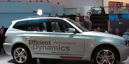 Tire, Wheel, Automotive design, Vehicle, Automotive tire, Alloy wheel, Rim, Spoke, Car, Automotive wheel system,