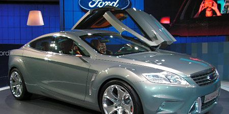 Tire, Wheel, Mode of transport, Automotive design, Vehicle, Car, Glass, Automotive mirror, Alloy wheel, Fender,