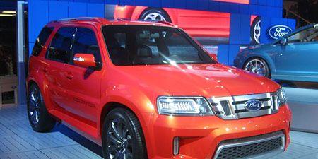 Motor vehicle, Tire, Wheel, Automotive design, Vehicle, Land vehicle, Automotive lighting, Automotive tire, Car, Automotive mirror,