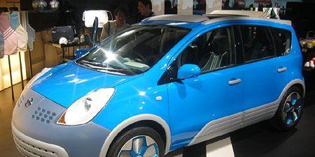 Motor vehicle, Tire, Wheel, Mode of transport, Automotive design, Vehicle, Transport, Automotive tire, Land vehicle, Automotive wheel system,