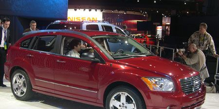 Tire, Motor vehicle, Wheel, Vehicle, Automotive tire, Car, Automotive lighting, Grille, Technology, Spoke,