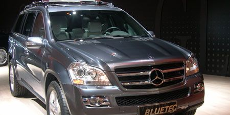 Tire, Wheel, Motor vehicle, Mode of transport, Automotive design, Vehicle, Land vehicle, Transport, Grille, Glass,