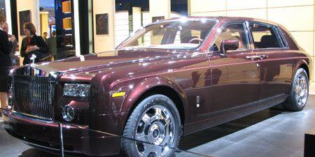 Tire, Wheel, Vehicle, Automotive design, Transport, Land vehicle, Automotive tire, Rim, Car, Automotive wheel system,
