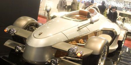 Motor vehicle, Mode of transport, Automotive design, Fender, Concept car, Personal luxury car, Luxury vehicle, Alloy wheel, Machine, Classic,