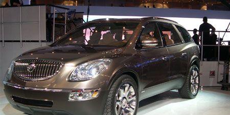 Tire, Motor vehicle, Wheel, Mode of transport, Automotive design, Vehicle, Automotive tire, Land vehicle, Automotive lighting, Transport,