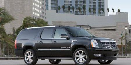 Tire, Motor vehicle, Wheel, Mode of transport, Automotive tire, Window, Transport, Automotive mirror, Vehicle, Property,