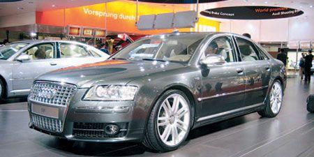 Tire, Wheel, Motor vehicle, Mode of transport, Automotive design, Vehicle, Land vehicle, Transport, Car, Vehicle registration plate,