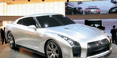 Wheel, Tire, Mode of transport, Automotive design, Vehicle, Automotive mirror, Land vehicle, Car, Rim, Alloy wheel,