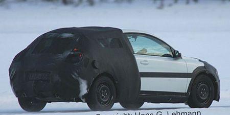 Tire, Motor vehicle, Wheel, Automotive mirror, Mode of transport, Automotive tire, Automotive design, Transport, Vehicle, Alloy wheel,