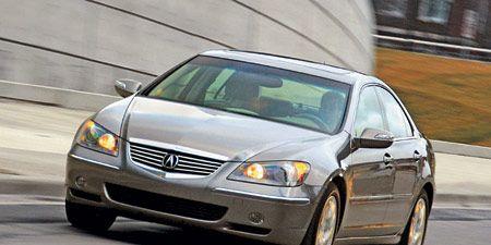 Automotive mirror, Automotive design, Glass, Vehicle, Hood, Automotive parking light, Infrastructure, Automotive lighting, Rear-view mirror, Headlamp,