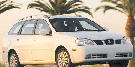 Tire, Motor vehicle, Wheel, Automotive mirror, Mode of transport, Automotive tire, Daytime, Vehicle, Transport, Glass,