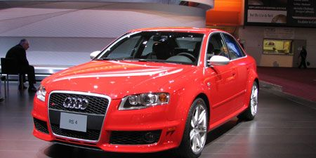 Tire, Automotive design, Vehicle, Car, Grille, Audi, Fender, Alloy wheel, Automotive lighting, Personal luxury car,