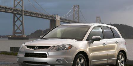 Tire, Wheel, Motor vehicle, Automotive mirror, Automotive tire, Mode of transport, Daytime, Automotive exterior, Transport, Vehicle,