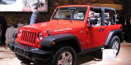 Motor vehicle, Tire, Automotive design, Automotive tire, Automotive exterior, Vehicle, Product, Hood, Land vehicle, Transport,