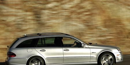 Tire, Wheel, Automotive design, Mode of transport, Automotive tire, Vehicle, Rim, Car, Spoke, Automotive exterior,