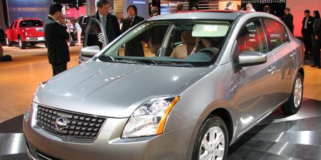 Motor vehicle, Mode of transport, Vehicle, Automotive design, Transport, Event, Land vehicle, Automotive mirror, Car, Glass,