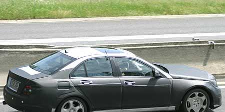 Tire, Wheel, Motor vehicle, Mode of transport, Vehicle, Automotive tire, Automotive design, Road, Alloy wheel, Rim,