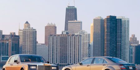 Tire, Wheel, Mode of transport, Tower block, Vehicle, Transport, Land vehicle, Metropolitan area, Metropolis, Urban area,