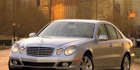 Tire, Wheel, Mode of transport, Vehicle, Automotive lighting, Land vehicle, Automotive parking light, Hood, Headlamp, Car,