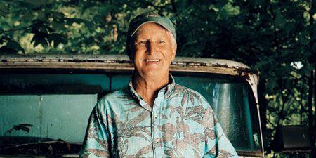Cap, Shirt, Wrinkle, Automotive window part, Classic car, Portrait photography, Portrait,