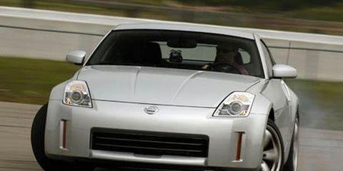 Tire, Wheel, Mode of transport, Automotive design, Vehicle, Transport, Land vehicle, Automotive mirror, Hood, Car,