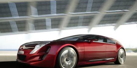 Tire, Wheel, Mode of transport, Automotive mirror, Automotive design, Vehicle, Land vehicle, Automotive lighting, Transport, Automotive exterior,