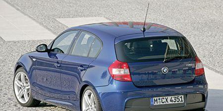 Tire, Motor vehicle, Automotive design, Mode of transport, Blue, Vehicle, Automotive tire, Vehicle registration plate, Automotive mirror, Car,