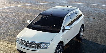 Motor vehicle, Tire, Automotive mirror, Wheel, Mode of transport, Automotive tire, Automotive design, Product, Transport, Vehicle,