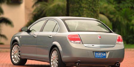 Tire, Wheel, Motor vehicle, Mode of transport, Automotive tire, Vehicle, Automotive design, Rim, Alloy wheel, Car,