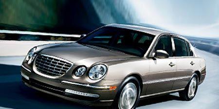 Tire, Mode of transport, Wheel, Automotive design, Vehicle, Transport, Land vehicle, Hood, Automotive parking light, Car,
