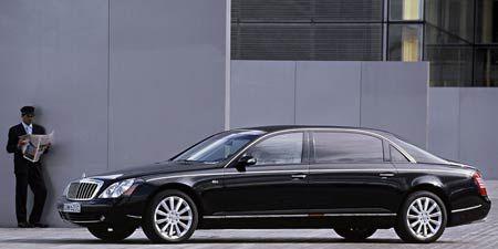 Tire, Wheel, Vehicle, Land vehicle, Automotive design, Car, Full-size car, Rim, Spoke, Luxury vehicle,