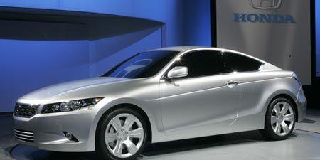 Tire, Wheel, Mode of transport, Automotive design, Product, Vehicle, Alloy wheel, Rim, Car, Glass,
