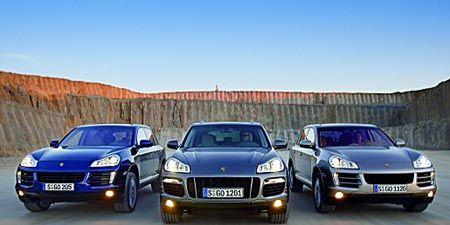 Motor vehicle, Mode of transport, Automotive design, Vehicle registration plate, Transport, Automotive mirror, Vehicle, Automotive exterior, Automotive parking light, Hood,