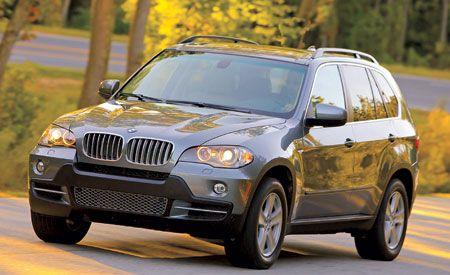 Tire, Motor vehicle, Wheel, Mode of transport, Vehicle, Automotive mirror, Automotive lighting, Headlamp, Land vehicle, Car,