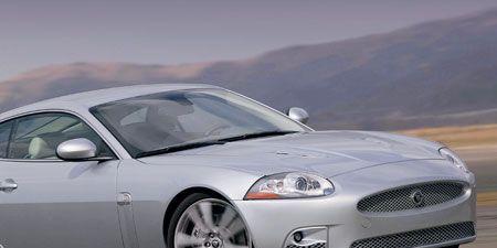 Tire, Mode of transport, Automotive design, Automotive tire, Automotive mirror, Vehicle, Headlamp, Hood, Automotive lighting, Rim,