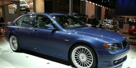 Tire, Wheel, Vehicle, Alloy wheel, Car, Spoke, Automotive tire, Rim, Hood, Automotive lighting,