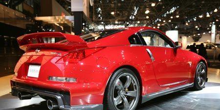 Tire, Wheel, Automotive design, Vehicle, Car, Alloy wheel, Rim, Vehicle registration plate, Performance car, Fender,