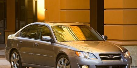 Tire, Wheel, Vehicle, Automotive lighting, Automotive parking light, Headlamp, Car, Glass, Rim, Hood,