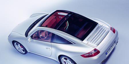 Tire, Wheel, Automotive design, Vehicle, Automotive lighting, Transport, Car, Alloy wheel, Performance car, Fender,
