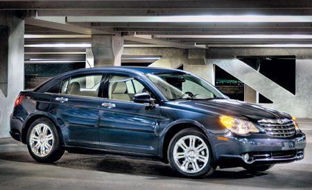 Tire, Wheel, Vehicle, Automotive design, Automotive lighting, Alloy wheel, Automotive parking light, Land vehicle, Car, Rim,