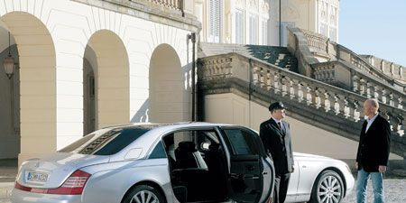 Tire, Wheel, Motor vehicle, Mode of transport, Automotive design, Vehicle, Transport, Car, Vehicle door, Alloy wheel,