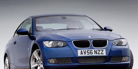 Motor vehicle, Mode of transport, Blue, Automotive design, Vehicle, Hood, Land vehicle, Automotive exterior, Automotive mirror, Car,