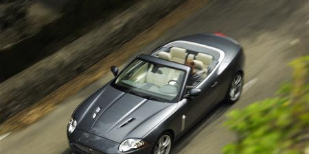 Automotive design, Mode of transport, Vehicle, Automotive mirror, Land vehicle, Car, Hood, Vehicle door, Personal luxury car, Fender,