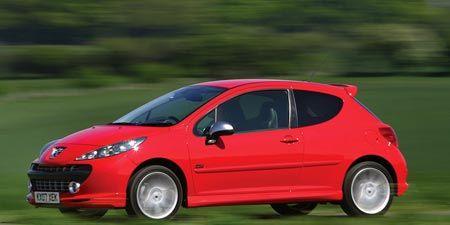 Tire, Wheel, Motor vehicle, Mode of transport, Automotive design, Automotive mirror, Vehicle, Red, Car, Hatchback,