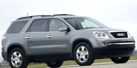 Tire, Motor vehicle, Wheel, Automotive tire, Mode of transport, Daytime, Vehicle, Automotive mirror, Product, Glass,