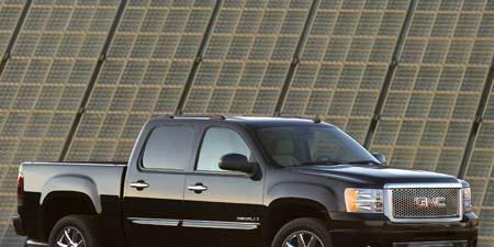 Tire, Wheel, Motor vehicle, Automotive tire, Vehicle, Land vehicle, Window, Automotive parking light, Automotive exterior, Rim,