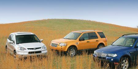 Tire, Wheel, Land vehicle, Vehicle, Car, Automotive parking light, Hood, Automotive mirror, Automotive lighting, Landscape,