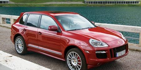 Tire, Wheel, Automotive design, Vehicle, Land vehicle, Alloy wheel, Hood, Car, Rim, Headlamp,