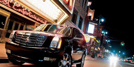 Motor vehicle, Tire, Automotive design, Mode of transport, Automotive tire, Vehicle, Automotive lighting, Land vehicle, Transport, Night,
